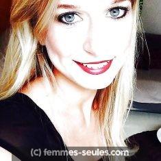 Valérie 32 ans a Angers aimerait un homme qui a du tact