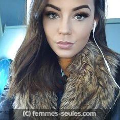 Rachelle a Amiens coiffeuse qui veut rendre jalouse ses copines avec un beau mec