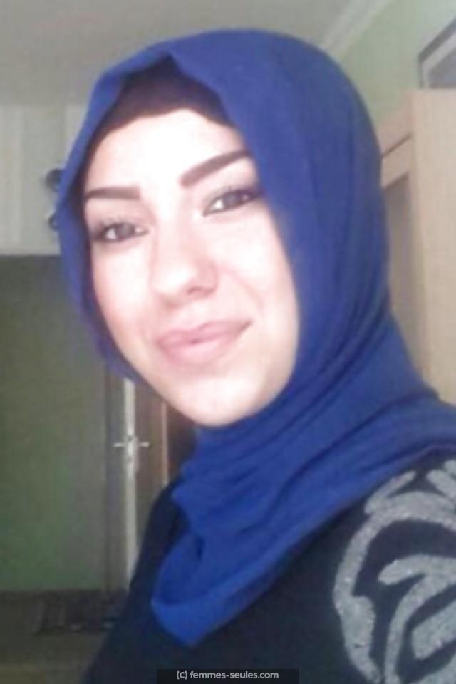 Zohra est une femme musulmane de Brest qui cherche un mariage