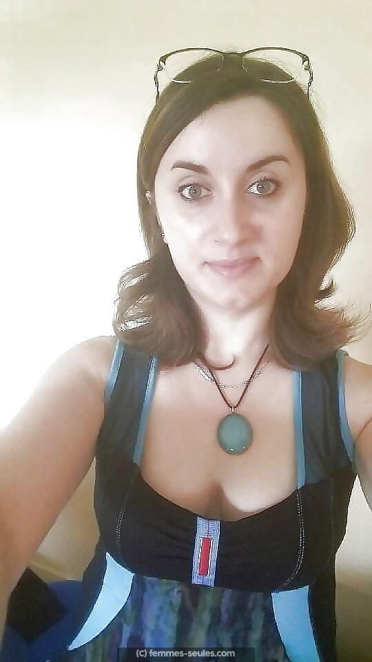Rencontre coquine avec femme seule brune timide de Carcassonne