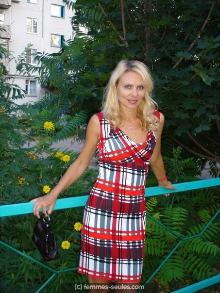 Femme russe célibataire a Cannes cherche homme non marié