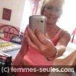 Femme blonde divorcée a Evreux propose rencontre a jeune homme