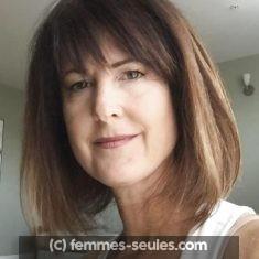 Joëlle, 47 ans, prête pour sortir avec un homme proche du Mans